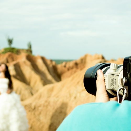 Digital Wedding Photography: Never Again Miss Poignant Moments at the Wedding