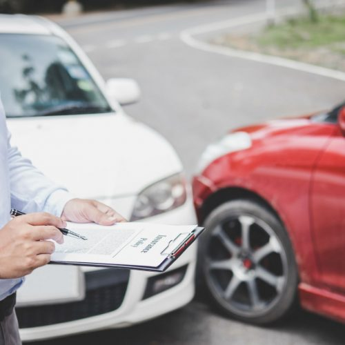 Dealing with the Insurance Company and the Police After a Car Accident